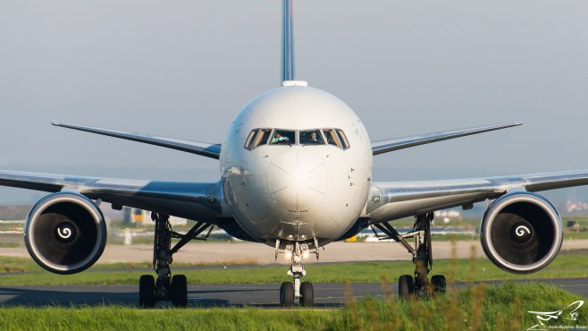 Boeing 767 Delta Air Lines N830MH