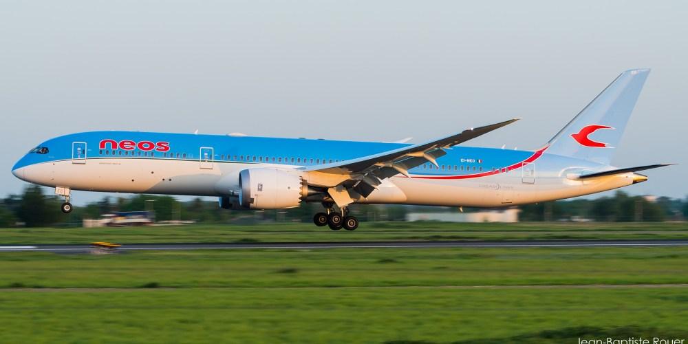Boeing 787-800 NEOS