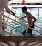 escada de piscina Actual para adultos e crianças