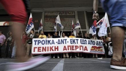 La Troika propone 150 nuevas reformas para una Grecia devastada por la crisis