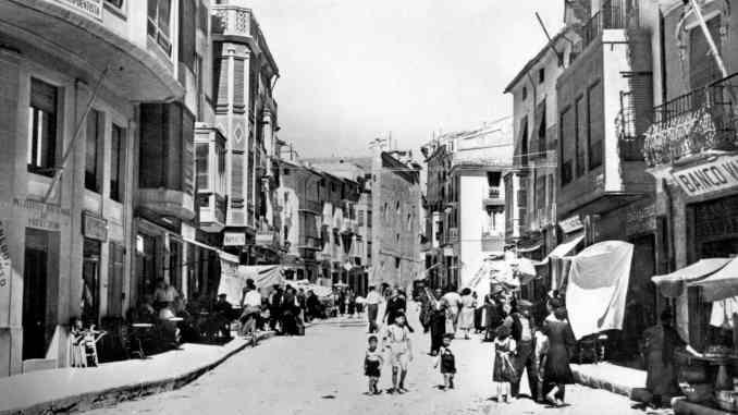 Día de mercado calle Colón años 50