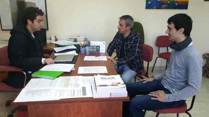 El Concejal de Juventud, Enrique Máñez, en reunión con el Alcalde de Segorbe y el tasoc