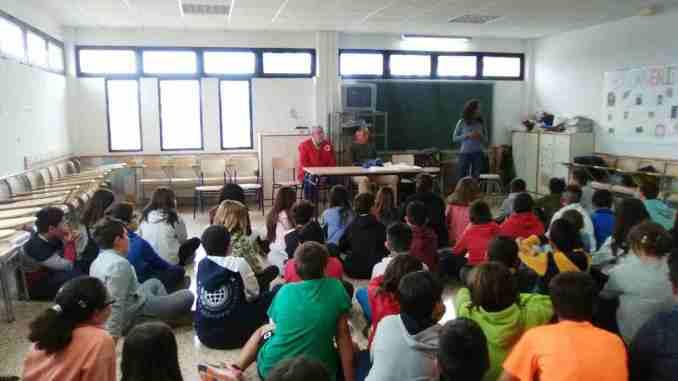 Charla del Ayuntamiento de Segorbe, Cáritas y Cruz Roja al alumnado de 5º y 6º de primaria