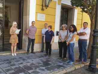 Lectura del manifiesto en la puerta del Ayuntamiento de Segorbe