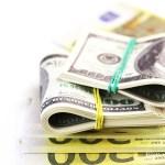 El banco no puede retener el saldo bancario en caso de reclamación judicial por uno de los cotitulares   CUENTAS BANCARIAS