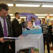 'Regalar un libro es mi cuento', campaña para fomentar la lectura donde es difícil el acceso a los libros