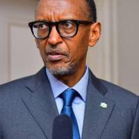 RDC : scientifiques, politiques, activistes, artistes, une cinquantaine de personnalités congolaises signent une tribune réagissant au négationnisme de Kagame.