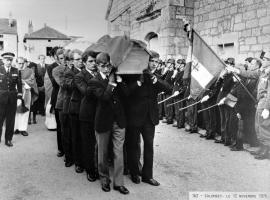 12.11.1970; obsèques du général de Gaulle à Colombey.