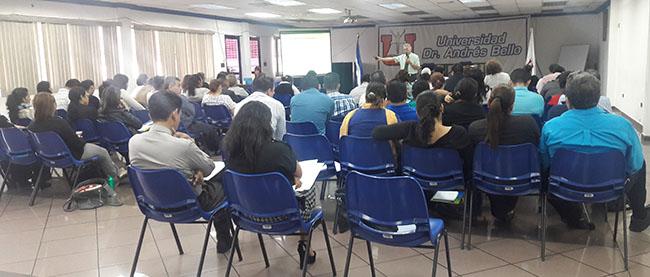 FUNIBER présente ses programmes de Doctorat à l'UNAB, en République du Salvador