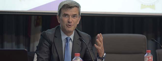 Assistance massive à la conférence de Maurizio Battino à Santander (Espagne)