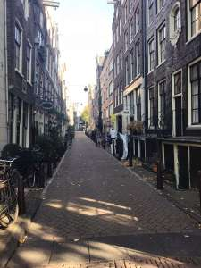 amsterdam, bikes, city tour, walking tour, free walking tour, strawberry tours, undiscovered amsterdam