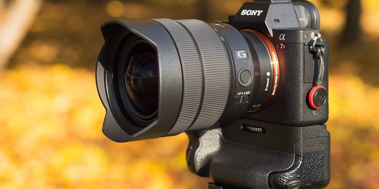 RUMEUR: l'annonce de l'objectif Sony 12-24 f / 2.8 GM sera retardée. Et le prix de l'objectif sera d'environ 4 000 $!