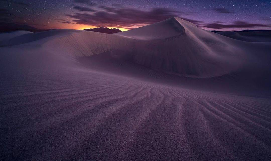 Les dunes de Death Valley au crépuscule…