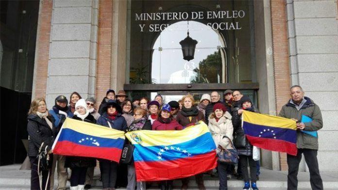 Pensionados y jubilados venezolanos en España no cesan en sus reclamos