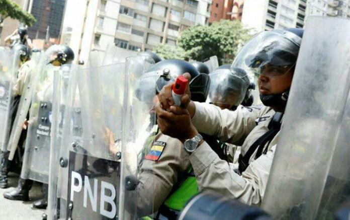 Detenidos, gaseados, golpeados, heridos