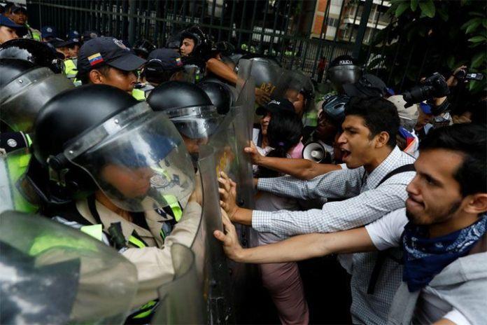 El colapso de Venezuela en cinco pasos - The New York Times