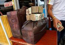 Aumenta el riesgo de cesación de pagos en Venezuela