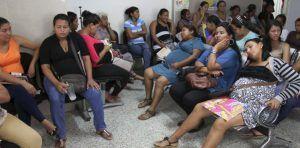 Las asociaciones venezolanas están pidiendo que por lo menos construyan albergues de paso y se les ayude con transporte a quienes quieren salir del país.