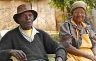 Pourquoi les femmes vivent-elles plus longtemps que les hommes ?