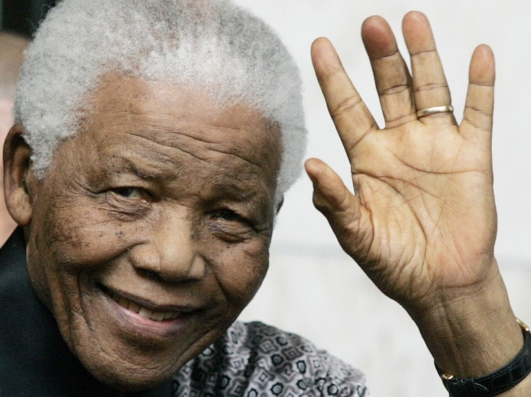 AFRIQUE DU SUD : le livre à polémique sur les dernières années de Mandela retiré par l'éditeur