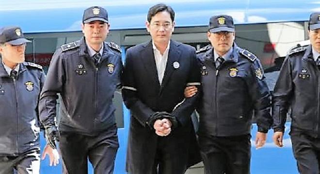 COREE DU SUD: l'héritier Samsung condamné pour corruption