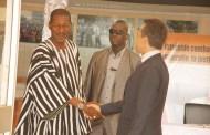 COOPERATION BURKINA-FRANCE: l'ambassadeur Xavier Lapeyre de Cabane en parle avec Alassane Sakandé