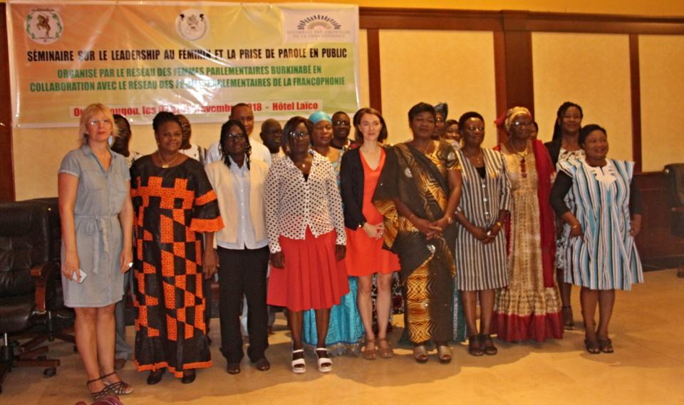PRISE DE PAROLE EN PUBLIC : les femmes parlementaires veulent en finir avec la timidité