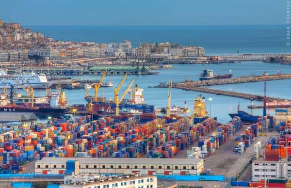 Le port d'Oran, ouest de l'Algérie - Archives