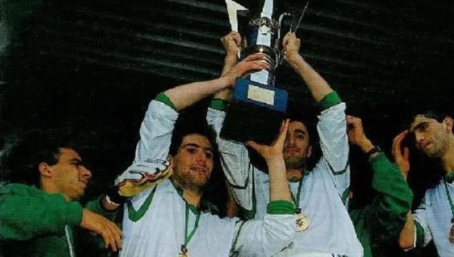 Championne de l'équipe nationale d'Algérie de la Coupe d'Afrique des Nations 1990