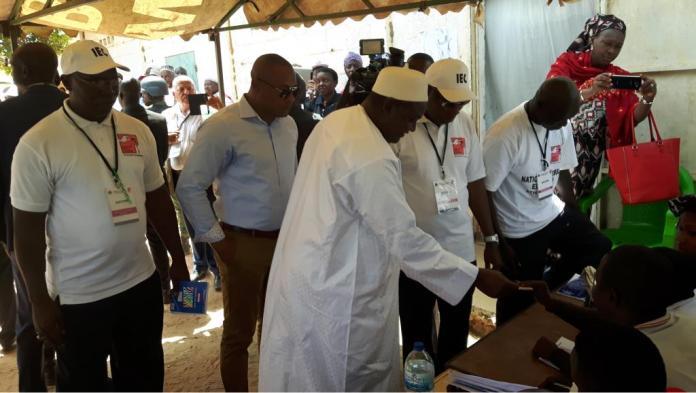 Les gambiens votent aux législatives