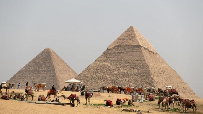 Une cavité découverte dans la pyramide de Khéops