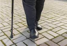 Un homme de 88 ans contre cinq agresseurs