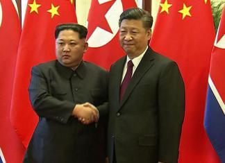 Kim Jong-un et Xi Jinping à Pékin