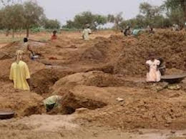 La production artisanale d'or au Sénégal