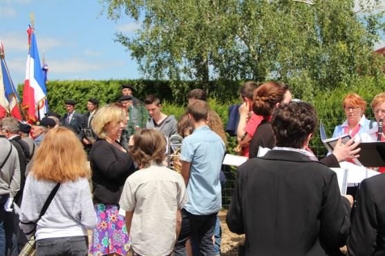 2015-06-07-ceremonie-des-martyrs-dhaplincourt136