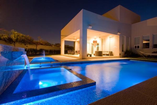 7 ideas para renovar tu piscina con bajos costos for Ideas para albercas