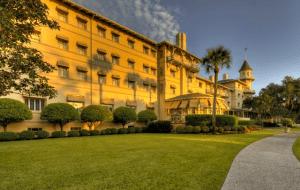 Jeckyll Island Club Hotel