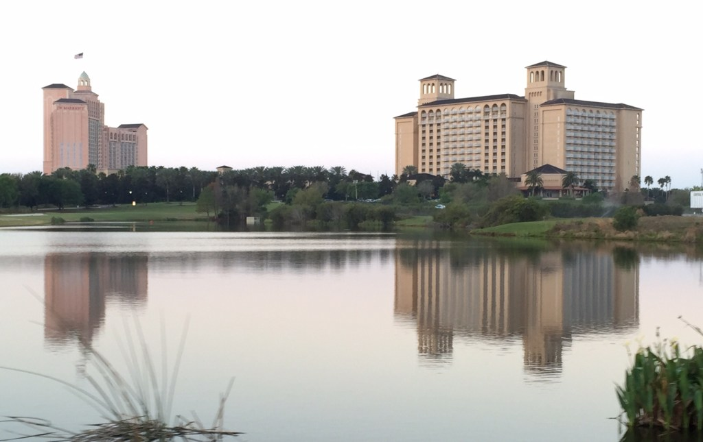 Ritz Carlton Grande Lakes Orlando | family friendly Orlando hotels | Ritz-Carlton Dining | Florida vacation | Family Travel | acupful.com | Mandy Carter | Ritz-Carlton Orlando perfect for kids | #RCMemories | luxury family travel | Orlando luxury hotel