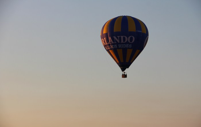 Checking off a bucket list item with a Hot Air Balloon Ride in Orlando Florida | Riding a hot air ballon | Orlando Balloon Rides | acupful.com | Mandy Carter | Things to do in Orlando | #LoveFl | once in a lifetime experiences | balloon rides | romantic adventures