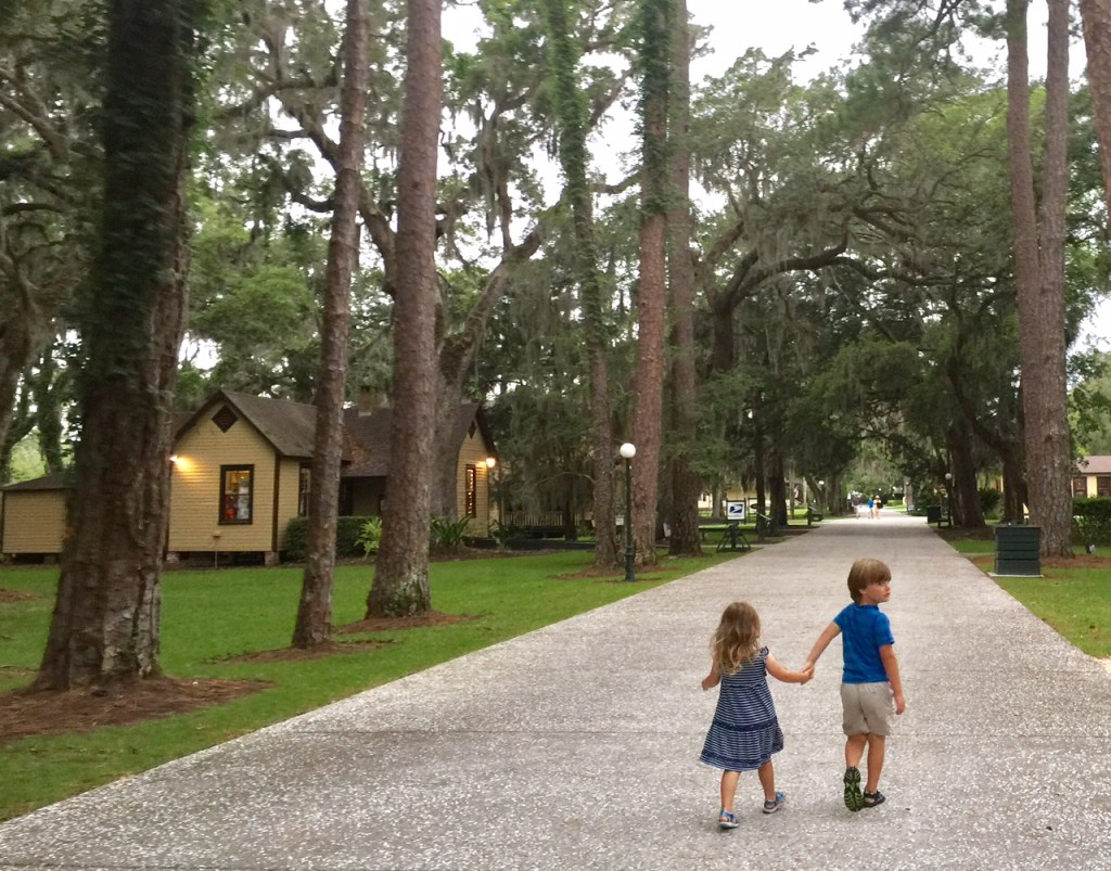 Unsupervised Play Benefits | Genius of Play | How to let your kids play unsupervised without worry | Mandy Carter | Acupful.com family travel blog
