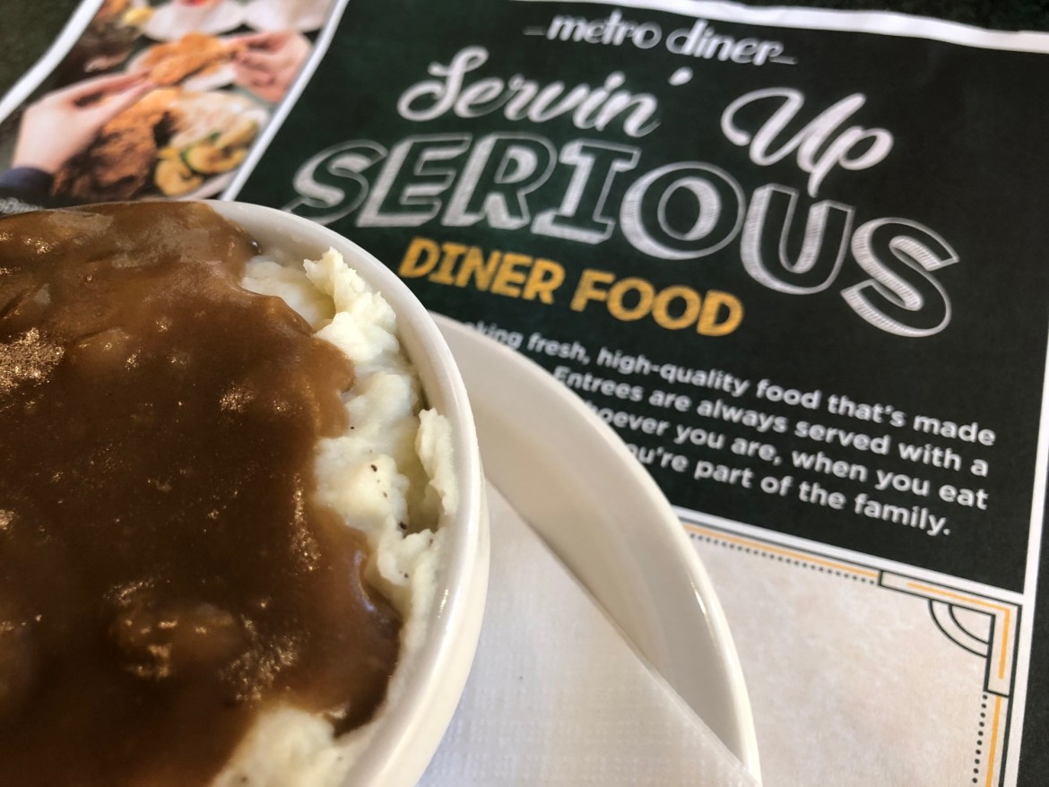 Delicious Diner Food at Metro Diner in Cape Coral | Fort Myers Restaurants Florida Food Blogger | SWFL foodies | diners in Florida | Where to eat in Cape Coral Florida | Mandy Carter food writer | Acupful.com