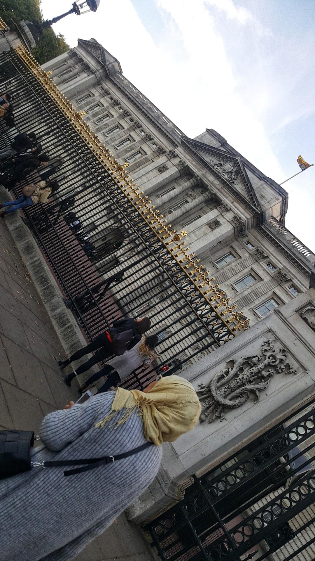 A Proper Tourist in London