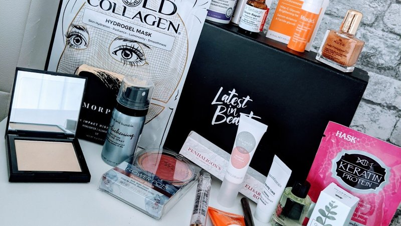 Latest in Beauty Hello! Celebrity Glow Getters Box…..Lets take a look inside…