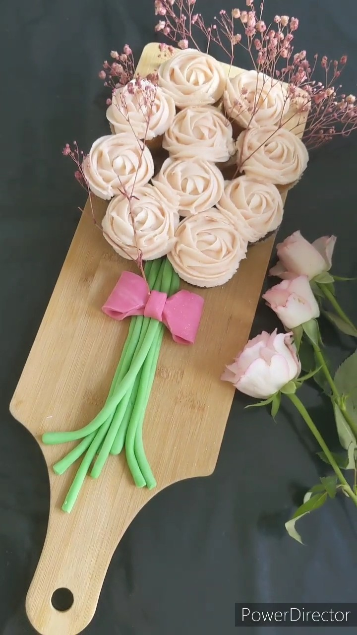 How to make a Cupcake Bouquet the Easy way