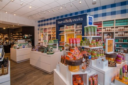 Bath & Body Works - A Cutting Edge Glass & Mirror
