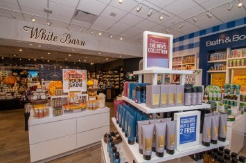 Interior Bath & Body Works Store