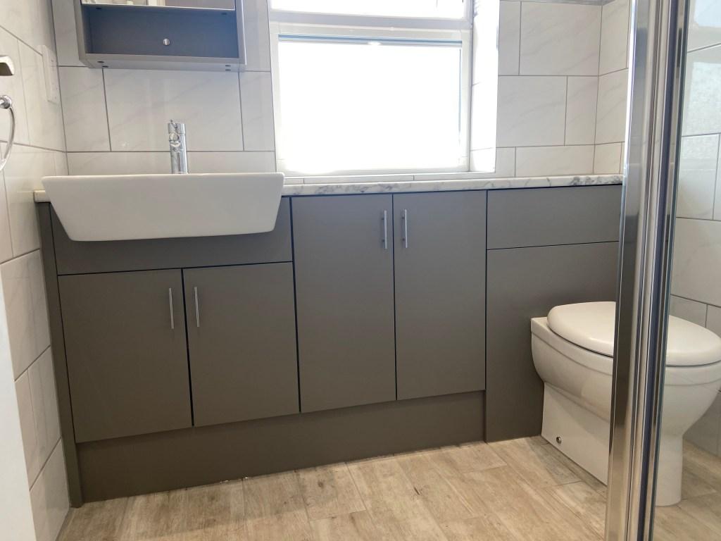 grey bathroom design