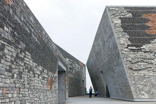 Ningbo Historic Museum / Wang Shu, Amateur Architecture Studio (12) © Iwan Baan