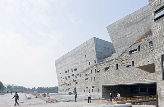 Ningbo Historic Museum / Wang Shu, Amateur Architecture Studio (5) © Iwan Baan