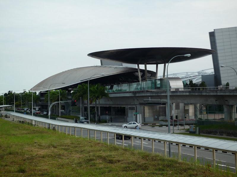 1330971103-expo-mrt-station--c--jonathan-choe.jpg (799×599)